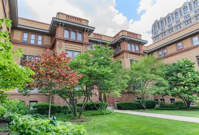 2230 N Lincoln Park West Chicago IL 60614