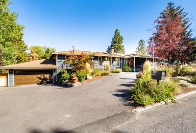 1630 NE Northview Drive Bend OR 97701