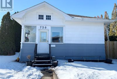 730 Main ST S Moose Jaw SK S6H5T2
