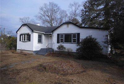 556 Pine Drive Brightwaters NY 11718