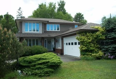 1135 Birchwood Bathurst NB E2A4W8