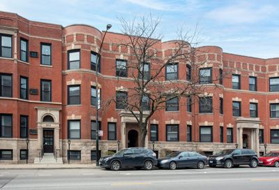2908 N Halsted Street Chicago IL 60657