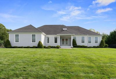 5 Winterberry Miller Place NY 11764