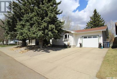 8913 Bowers DR North Battleford SK S9A3C1