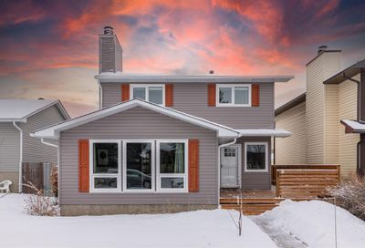 281 Marquis Place Airdrie AB T4A1Y2