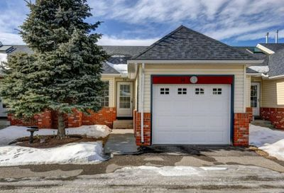 12 Woodside Rise Airdrie AB T4G2B9