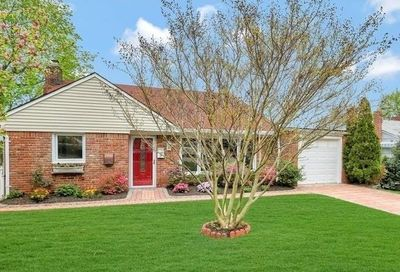 39 Sideview Drive Oyster Bay NY 11771