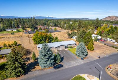 61683 Daly Estates Drive Bend OR 97702