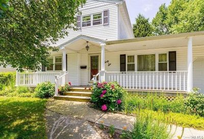 36 Country Greens Drive Bellport NY 11713
