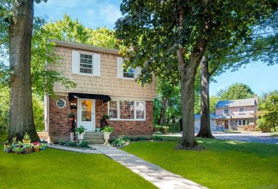 23 Willow Lane Great Neck NY 11023