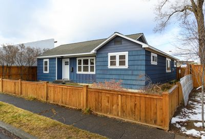 223 NW 4th Street Redmond OR 97756