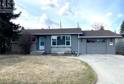 8908 Abbott AVE North Battleford SK S9A3H6