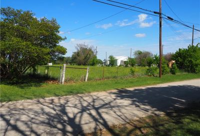 411 S Love Avenue Florence TX 76527