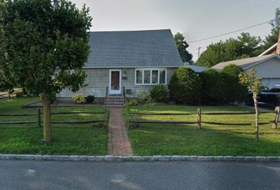 311 Roslyn Avenue Carle Place NY 11514