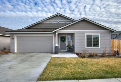 532 NW 25th Street Redmond OR 97756