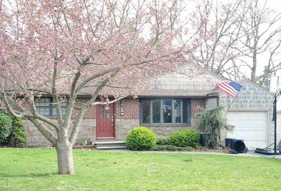 16 Shelley Place Huntington Sta NY 11746