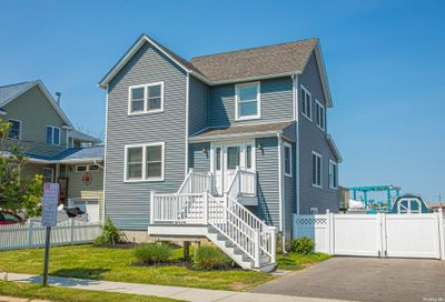 125 Ocean Avenue Bay Shore NY 11706
