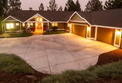 2750 NW Lucus Court Bend OR 97703