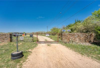 1033 Flying X Road Spicewood TX 78669