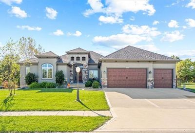 2111 Chateau Place Raymore MO 64083