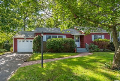 147 Hoover Place Centerport NY 11721