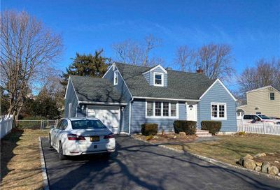 271 Clay Pitts Road E. Northport NY 11731