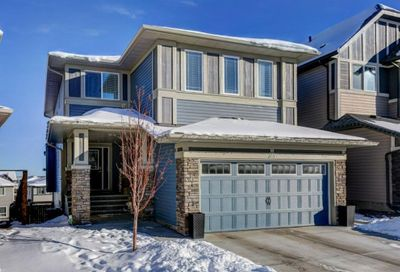 311 Hillcrest Heights Airdrie AB T4B4C1