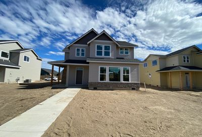 748 NW 27th Street Redmond OR 97756