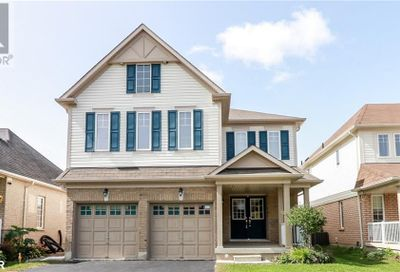 67 Versailles Crescent Barrie ON L4M0B8
