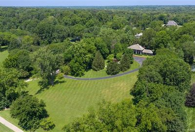 76 Trent Drive St Louis MO 63124