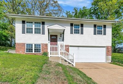747 Crescent Woods Drive Valley Park MO 63088