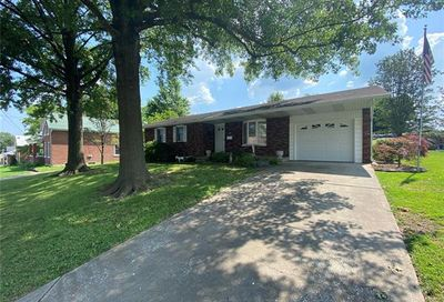 7 North Walnut Perryville MO 63775