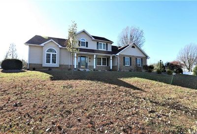 527 Sun Valley Farmington MO 63640