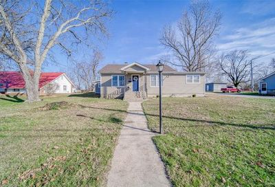 302 South Pershing Street Salem MO 65560