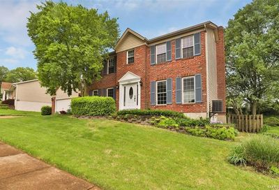 2510 Willow Knoll St Louis MO 63129