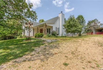 193 Whispering Winds Lane Lonedell MO 63060