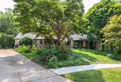 484 Hunters Hill Drive Chesterfield MO 63017