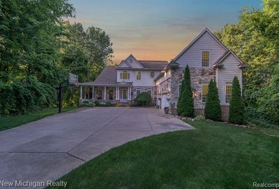 8907 Lake Bluff Drive Brighton Twp MI 48114