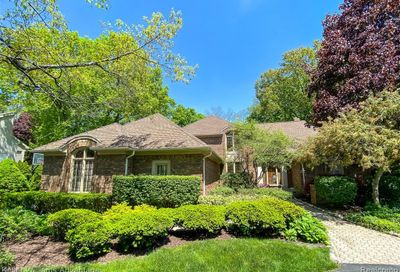 354 Sycamore Court Bloomfield Twp MI 48302