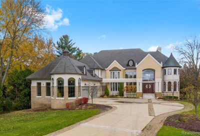 3425 W Long Lake Road West Bloomfield Twp MI 48323
