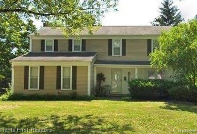 5584 S Piccadilly West Bloomfield Twp MI 48322