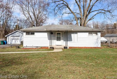 160 Polvadera Street Commerce Twp MI 48382