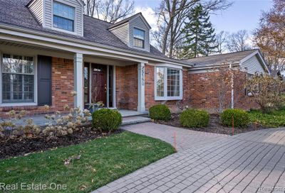 5150 Forest Way Bloomfield Twp MI 48302