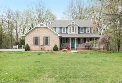 8752 Pebble Creek Drive Hamburg Twp MI 48169