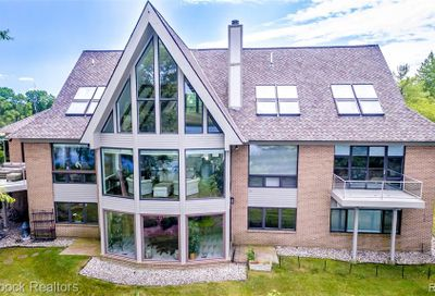 1136 Norminister End Bloomfield Twp MI 48302