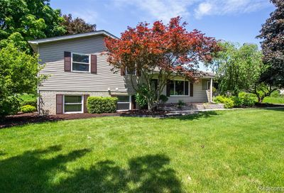 1185 Eager Pines Crt Howell MI 48843