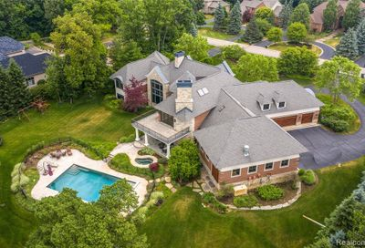 3872 Walnut Brook Drive Rochester Hills MI 48309