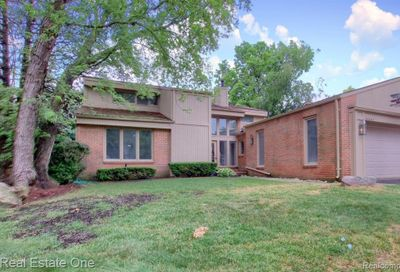 36843 Tanglewood Lane Farmington Hills MI 48331