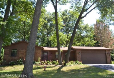 1662 Spruce Drive Commerce Twp MI 48390