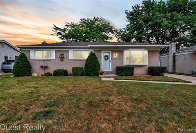 14239 Hillsdale Drive Sterling Heights MI 48313